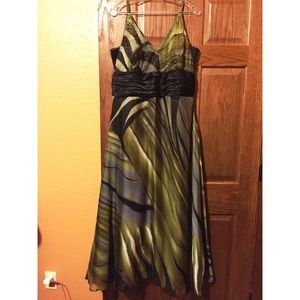 Dresses & Skirts - Gorgeous Green Gown